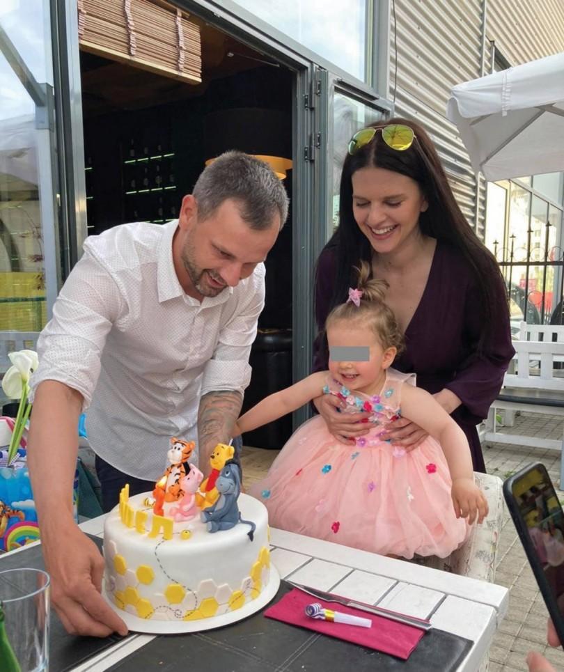 Ето го семейството на служебния премиер Стефан Янев (СНИМКИ)
