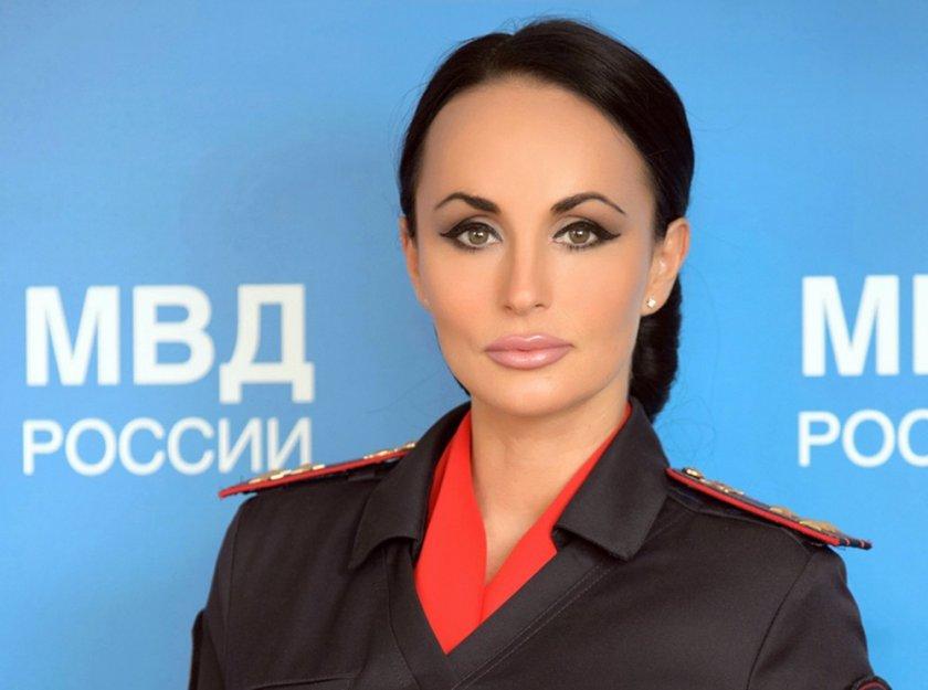Секс бомба се идигна до върховете на руското МВР (Снимки)