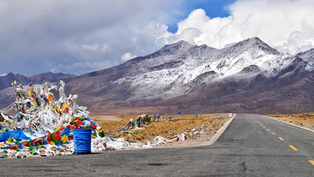 Открити са древни вируси в разтапящи се тибетски ледници