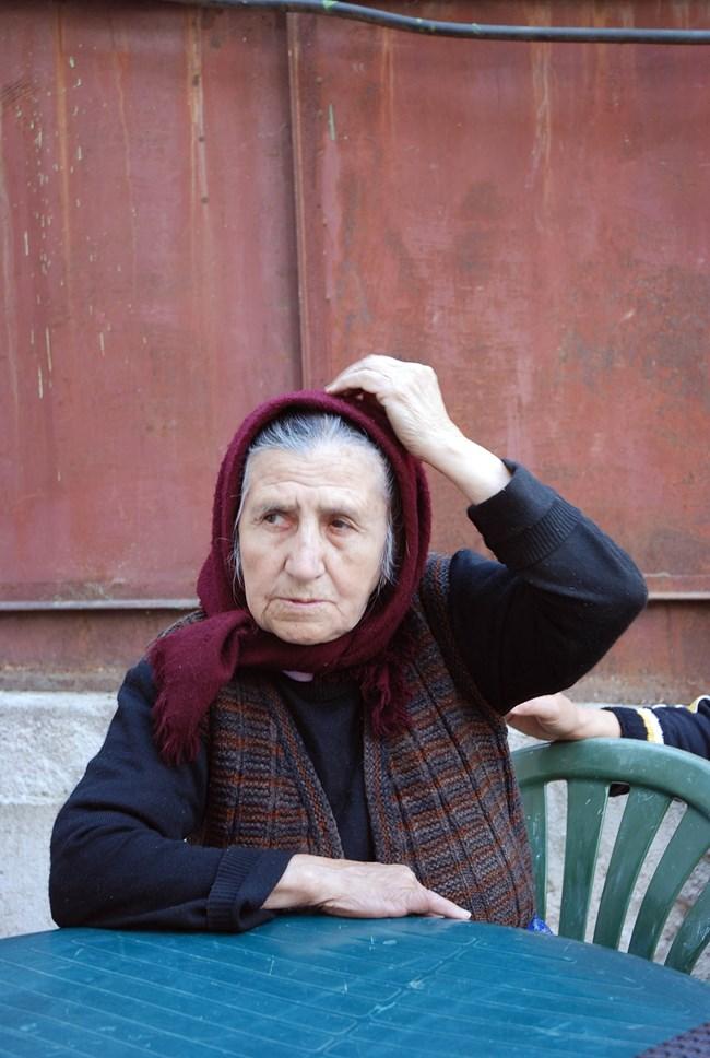 Стефка Петревска, жив свидетел на феномена: Ванга спаси мама от отвъдното