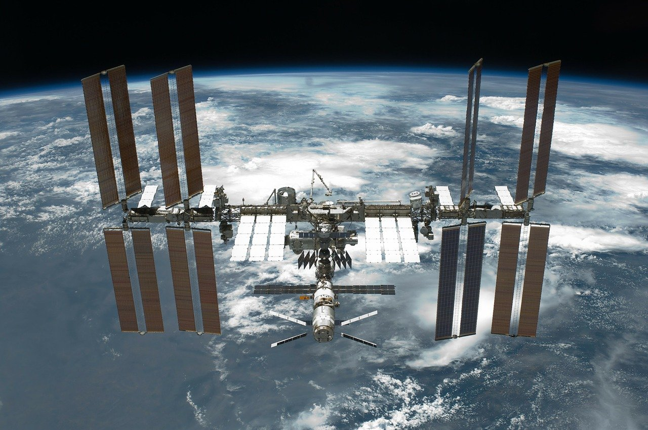 частна космическа станция
