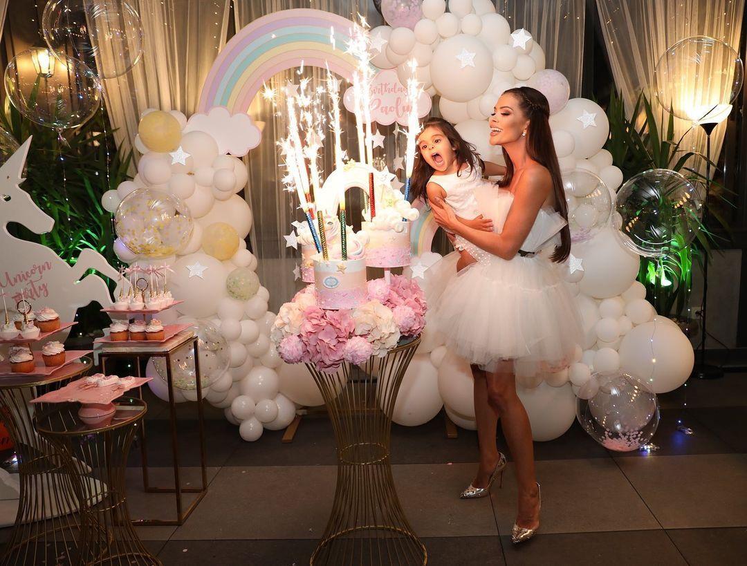 Преслава организира приказно тържество за рождения ден на дъщеря си (СНИМКИ)