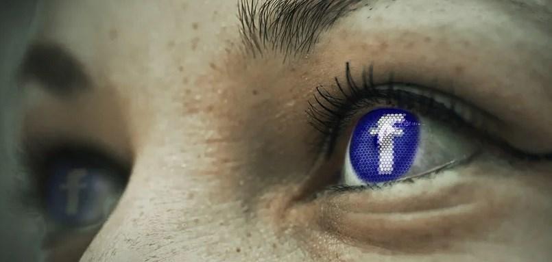 Защо се срина Facebook